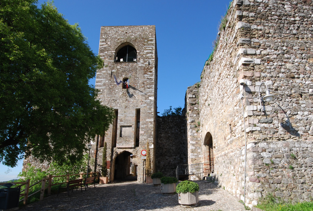 Padenghe_Castello_ingresso